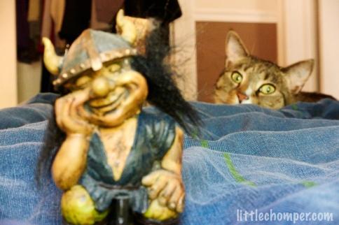 Luna wide eyed behind troll